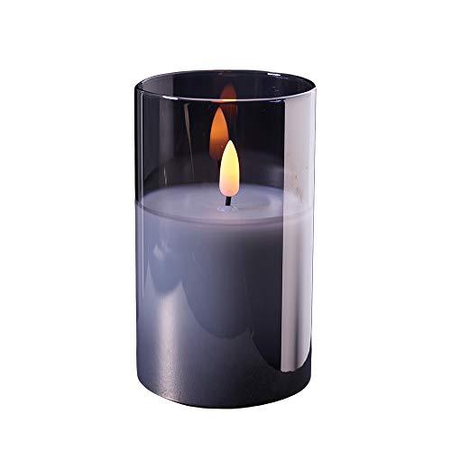 Hochwertige & Edle LED Kerze im Glas - Timer - Realistisch Flackernd - Inklusive AA-Batterien - Neuartiges Design (Grau, Höhe: 12,5cm - Ø 7,5cm)