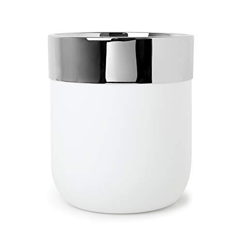 Umbra Junip Badezimmer Mülleimer – Stylisher Kosmetikeimer aus Polyresin mit Edelstahl Rand zum Festhalten von Müllbeuteln, 6 L, Weiß