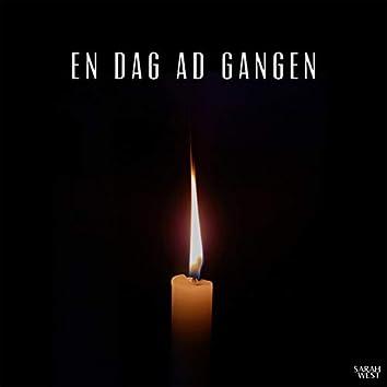 En Dag Ad Gangen