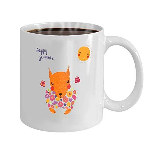 Regalo Taza de café Taza de té Blanco 11Oz Ilustración de vector dibujado a mano de una linda ardilla divertida con un ramo de flores Mariposas Sun Le