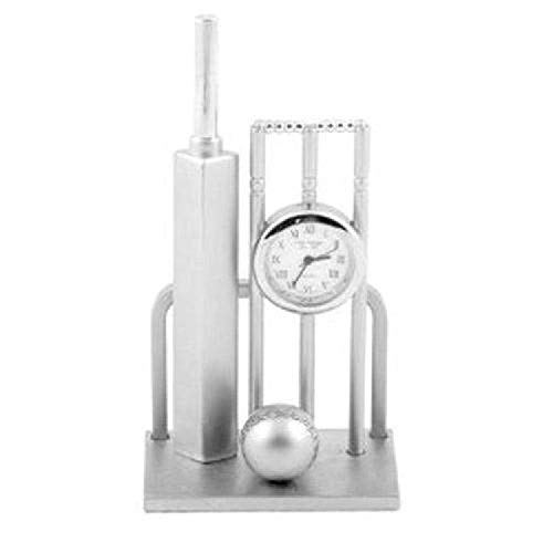 Wecker in der Form eines Miniaturkricket-Set mit Schläger, Ball und Toren