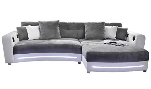 lifestyle4living Ecksofa in Weiß (Kunstleder) und Grau (Microfaser) inkl. Multimediapaket | Sofa hat 6 Kissen | Funktionssofa mit LED-Beleuchtung