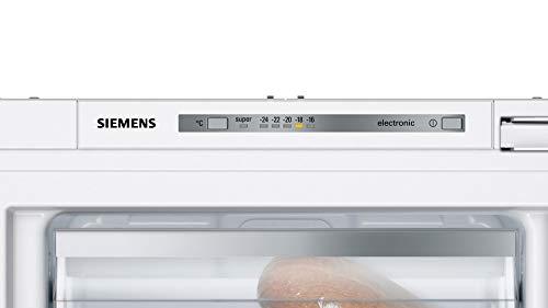 Siemens GI11VADC0 iQ500 Einbau-Gefrierschrank / A+++ / 95 kWh/Jahr / 70 l / lowFrost / freshSense / softClosing Tür