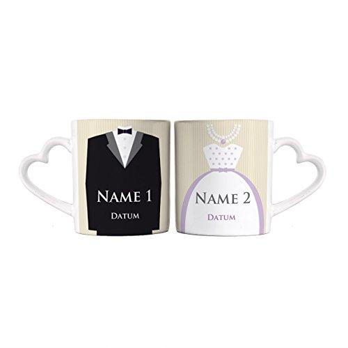 Herz & Heim® Paartassen zur Hochzeit Brautkleid und Anzug mit Namen und Datum