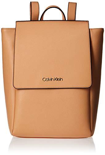 Calvin Klein - Worked Backpack, Mochilas Mujer, Beige (Dark Sand), 14x34x24 cm (W x H L)