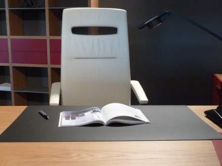 Desklin Schreibtischunterlage Linoleum, Schreibtischunterlage schwarz, Schreibunterlage (50 x 61 cm)