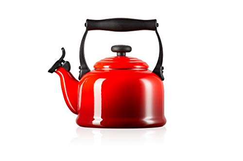 Le Creuset Traditional Stove-Top Kettle with Whistle, Suitable for All Hob Types Including Induction and Cast Iron, Enamelled Steel, Capacity: 2.1 L, Cerise, 92000800060000