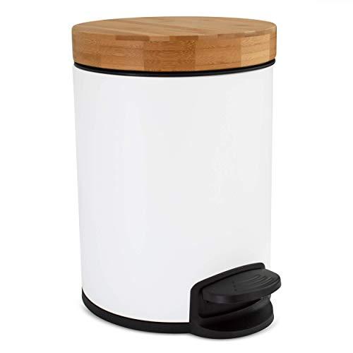 Kazai.® 5l Design Kosmetikeimer | Bambus-Holzdeckel mit Absenkautomatik | Treteimer mit Anti-Fingerabdruck und Komfort-Pedale | Weiß