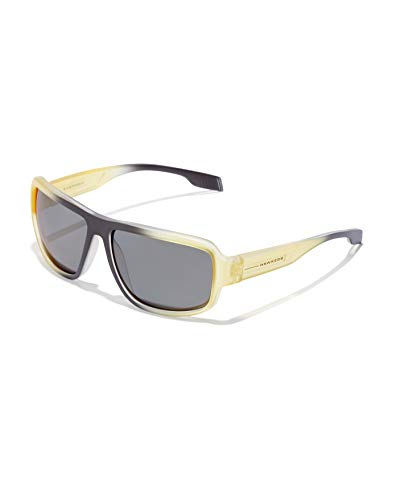 HAWKERS Gafas de Sol F18 Yellow, para Hombre y Mujer, de diseño sportswear con montura bicolor de negro a amarillo translúcido y lentes espejadas oscuras, Protección UV400, One Size Unisex adulto