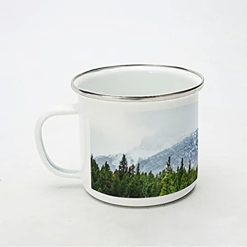 KittyliNO5 Taza esmaltada con diseño de montaña nevada y árboles, portátil y ligera, para café, té o bebida, para casa, fiesta, oficina, camping, color blanco, 350 ml