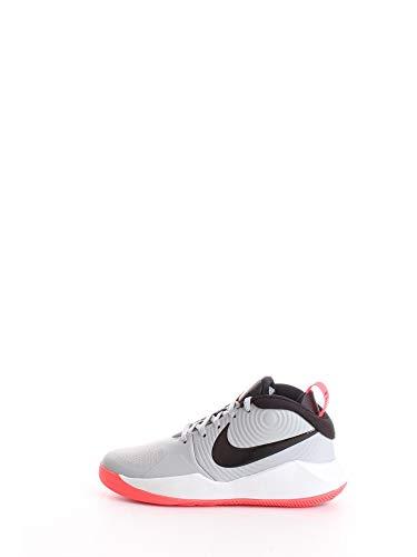 Nike Team Hustle D 9, Basketball Shoe Unisex-Child, Gris Humo/Negro/Carmesí Láser, 40 EU