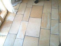 Solnhofener Natursteinplatten, -handbekantet- Bahnen, Breite ca. 28 cm für Böden, Dicke ca. 10-12 mm