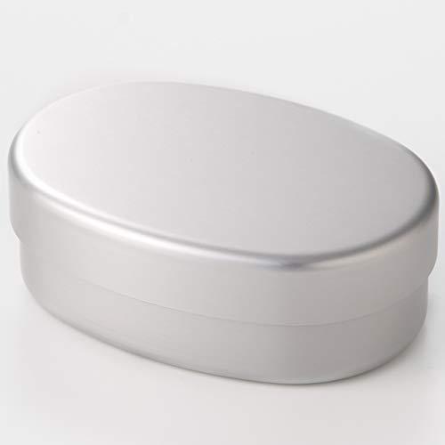 酸やアルカリ性に弱いので、お弁当に入れるおかずや使う洗剤に気を付けましょう。クレンザーやスチールたわしなども避けて、中性洗剤をスポンジにつけ、傷が付かないように優しく洗うことがポイント。また、電子レンジや食洗機、漂白剤の使用もNGなので注意してくださいね。