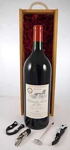 Chateau Les Tuileries Du Deroc 1995 Bordeaux MAGNUM en una caja de regalo con cuatro accesorios de vino, 1 x 1500ml