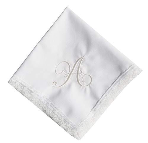 Pañuelo personalizado con la letra A bordada en color marfil.