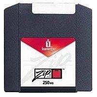 Zip Disk/250mb Comp PC E Mac 10pk Pacco Contenente 10 Dischi Zip da 250mb Dual Format per PC E Mac - Ogni Disco all'Interno E Confezionato Singolarmente in Una Scatoletta di Cartone