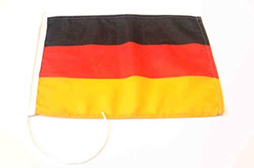 New Marine Deutschlandflagge für Yacht Motorrad Segeln und vieles mehr in verschiedenen Größen UV-Stabilisiert mit Öse und Bändsel (20x30 cm)
