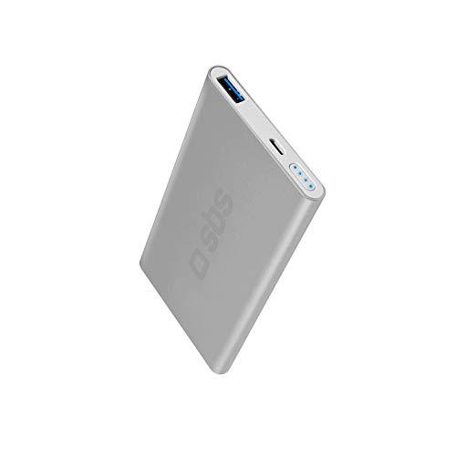 SBS Powerbank mit 5000 mah - Power Bank klein mit 2.1A Ausgang - Ladegerät für Handy Smartphone Tablet Apple Samsung Galaxy Kindle iPhone iPad Huawei uvm - Externer Akku silber