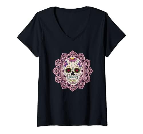 Mujer Mandala Corazón Ojos Azúcar Calavera Flores Día de los Muertos Camiseta Cuello V