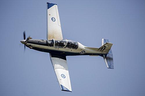 Timm Ziegenthaler/Stocktrek Images – The Hellenic Air Force Daedalus Demo Team Flies The T-6 Texan Trainer. Photo Print (43,18 x 28,70 cm)