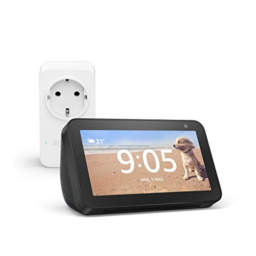Echo Show 5 (Nero) + Amazon Smart Plug (presa intelligente con connettività Wi-Fi), compatibile con Alexa