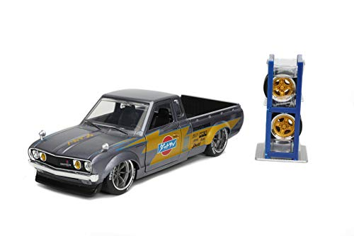 Just Trucks 1:24 1972 Datsun 620 Pickup Die-cast Car Silver w/Tire Rack, Toys for Kids and Adults