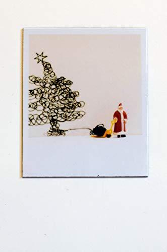 Cooler Magnet zu Weihnachten für Kühlschrank Magnettafel zum Verschenken | Weihnachtsmann strickt Weihnachtsbaum aus Wolle