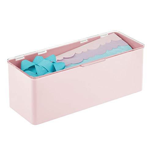 mDesign Cajón de plástico sin BPA – Caja con tapa de diseño apilable, ideal para organizar la cocina, la habitación infantil o el baño – Cajas de ordenación multiusos – rosa claro y transparente