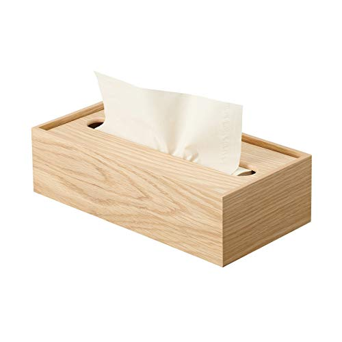 仕事や勉強の際、すぐ取れる場所に置いておきたいティッシュも、ナチュラルなボックスに入れればお部屋に馴染みます。ティッシュのみを入れても、箱ごと入れてもOK。ティッシュをそのまま入れる場合、量が減っても取り出しやすいのが◎