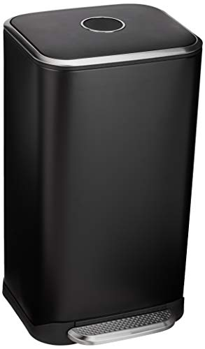 Amazon Basics - Pattumiera rettangolare con chiusura silenziosa, 32 l, nero