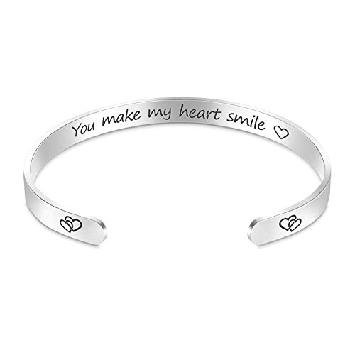 MIAHART Pulsera de San Valentín Pulsera inspiradora para Mujer, mamá, niña, Haces Que mi corazón sonríe, Brazalete de Mantra Grabado, Brazalete de cumpleaños Personalizado
