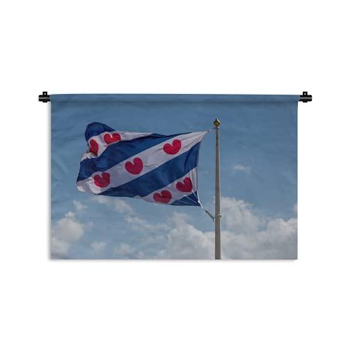 Wandteppich - Eine niederländische Flagge, die die Provinz Friesland repräsentiert. Die roten Herzen symbolisieren Lilienblätter, die in dieser Provinz weit verbreitet sind - 60x40 cm