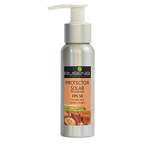 Rusens - Protector Solar Facial (Biodegradable) FPS 50 de Consistencia Ligera y Efecto Mate, Sin Efecto Graso