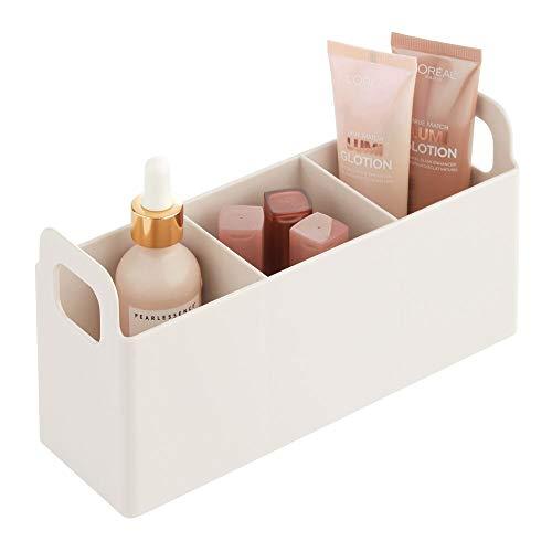 mDesign Kosmetik Organizer mit Griffen fürs Badregal – kleine Box zur Schminkaufbewahrung mit 3 Fächern für Make-up und Nagellack – Kosmetik Aufbewahrungsbox aus BPA-freiem Kunststoff – cremefarben
