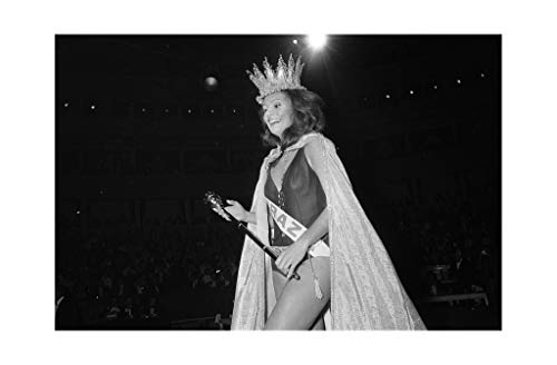 Lucia Tavares Petterle - Miss World Beauty Contest Winner 1971 Print 61x91.5cm