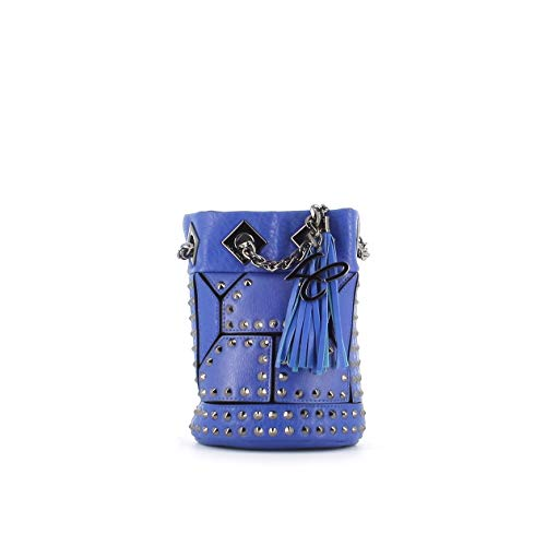 La Carrie - Cubo eléctrico de piel sintética azul con tachuelas de metal y cadena de hombro. Bolsillos interiores y logotipo de metal. Dimensiones: 20 x 15 x 12 cm.