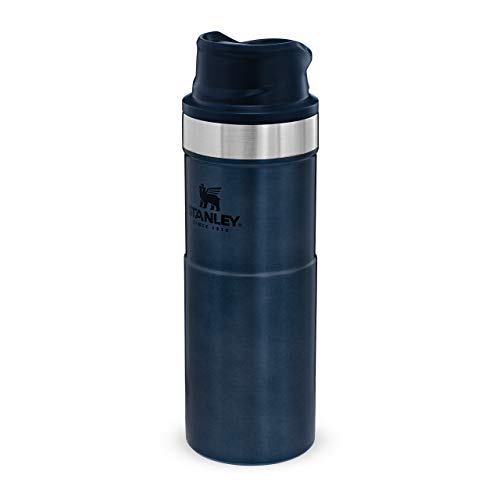 Stanley Classic Trigger Action Travel Mug Doppelwandiger, vakuumisolierter Becher für Kaffee, Tee & Wasser, | Hält Getränk heiß oder kalt |Einhändig bedienbar |BPA-frei, Nightfall, 0.47 L