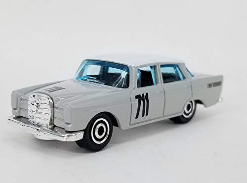 Mercedes '62 Benz 220 SE Sedan - Oldtimer 1962, 1:64 - Farbe: Mittelgrau