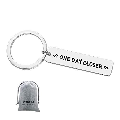 Long Distance Relationship Keychain Gift One Day Closer Keychain Boyfriend Girlfriend Gift Best Friends Gift Valentines Gift for Husband Wife Girlfriend Boyfriend