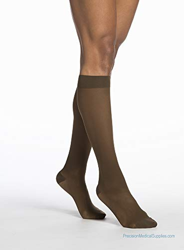 Sigvaris 781 EverSheer Closed Toe Knee Highs - 15-20 mmHg Short Natural MS Short 781CMSW33