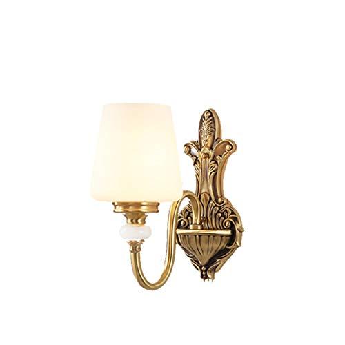 Wandlamp van staal; volledig koper in Europese stijl, Amerikaanse woonkamer-achtergrond; eenvoudig zuiver koper, nachtkastje, wandverlichting