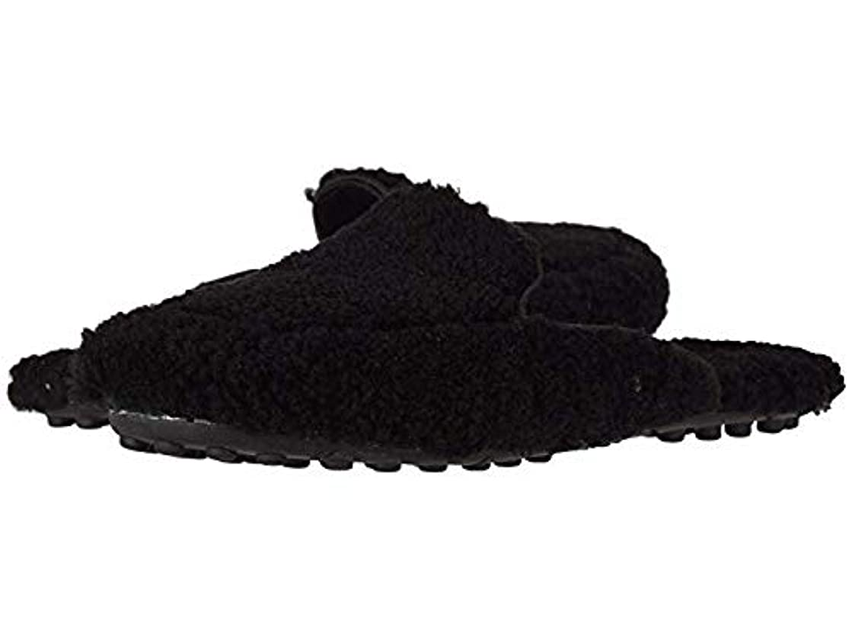 侵入するペルメルバラエティ[UGG(アグ)] レディースローファー?靴 Lane Fluff Loafer Black US 9 (26cm) B - Medium [並行輸入品]