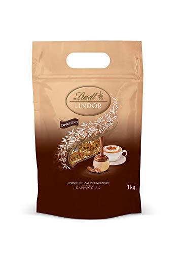 LINDOR Beutel Cappuccino, Weiße Schokoladenkugeln mit löslichem Kaffee und zartschmelzender Cappuccino-Füllung – ca. 80 Kugeln, 1er Pack (1 x 1kg)