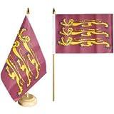 Flaggenfritze® Tischflagge GB - Richard Löwenherz mit lackiertem Holzsockel