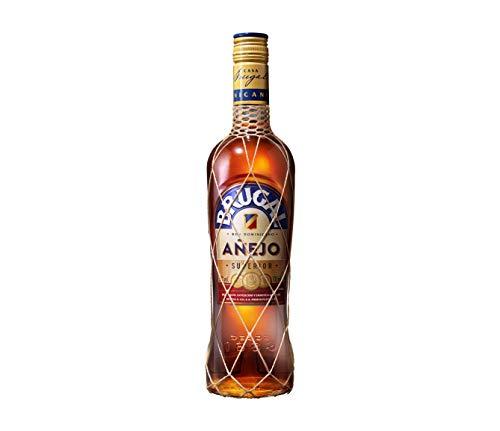 Brugal Añejo Premium Rum, milde Aromen mit Holznoten und Kokos für ausgewogene Drinks, 38{efa98cf6682328415681320172879b52a07b40aa819d96238e97e581ba499be2} Vol, 1 x 0,7l