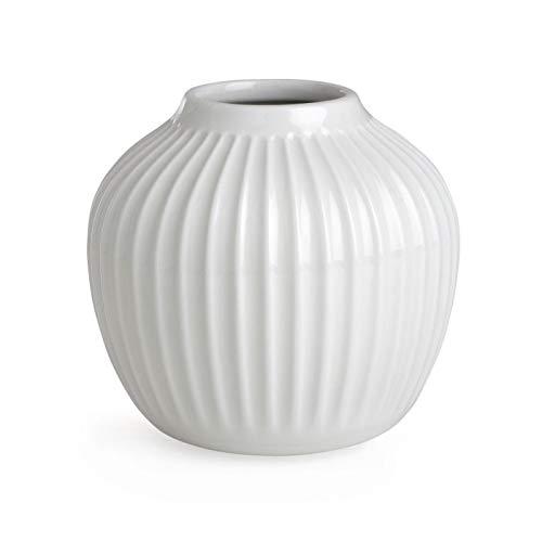 Hak Kähler Hammershoi Vase aus Porzellan mit Rillen, Moderne Vase, rund, bauchige, skandinavisches Design Vase für Blumen, Weiss, 13cm