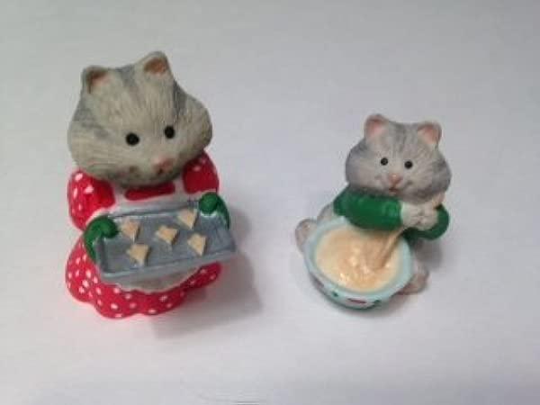 Hallmark Merry Miniatures Busy Bakers 1996