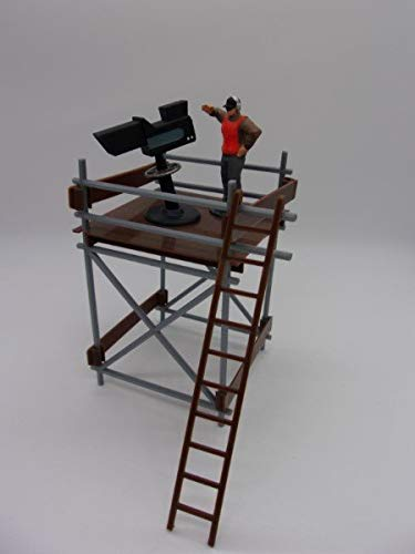 F694 Greenhills Scalextric Slot Car TV Tower Kit with Camera & Cameraman 1:32 Scale