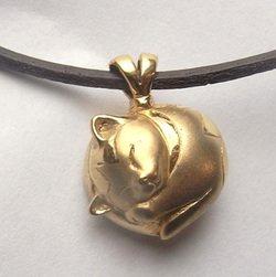 【ペット遺骨ペンダント】猫用デザイン【溶接完全防水】K18・本革紐ネックレス付き
