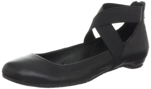 Kenneth Cole REACTION Women's Pro-Time Flat,Black,8 M US